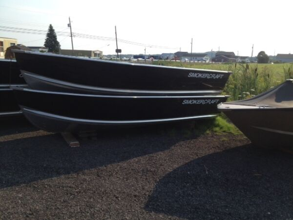 Used 2015 Smoker Craft Inc Voyager