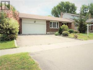 29 Rutledge Ave Newmarket Ontario Great  Home for sale!