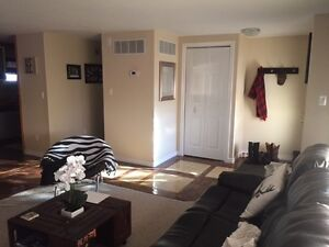 Room for Rent with own Bathroom Belleville Belleville Area image 4