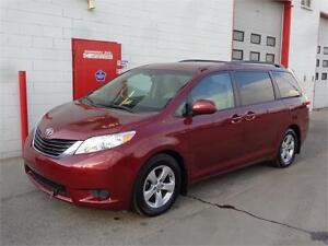 2011 Toyota Sienna LE 8 seater ~ One owner ~ 152,000km~ $14,900
