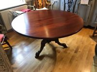 Circular mahogany dining table and 4 chairs in excellent condition