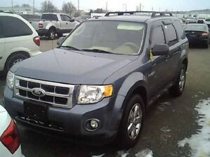 2010 Ford Escape XLT 4 CYLINDER GREAT ON GAS