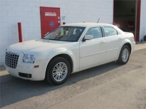 2008 Chrysler 300 Touring 3.5 V6 ~ 81,000kms! One owne ~ $ 6,999