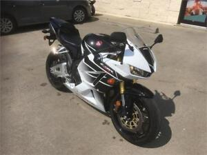 $79 Bi-Weekly!!! MINT 2016 Honda CBR600RR WITH LOW KMS