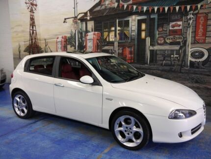 2008 Alfa Romeo 147 MY2005 Twin Spark White 5 Speed Manual Hatchback Marrickville Marrickville Area Preview