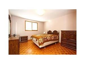 Extra Big Cleaning Room - 5 Mins Waling Conestoga Doon Compus!!! Kitchener / Waterloo Kitchener Area image 4