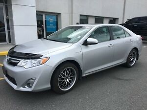 2012 Toyota Camry Hybrid XLE with Power Start Keyless Entry and