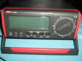 Uni-t UT801 BENCH MULTIMETER