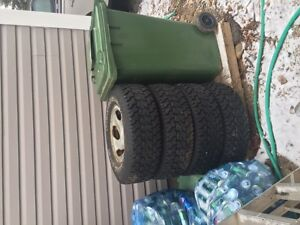 Truck snow tires-LT 245/75R16