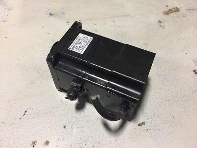 Yaskawa AC Servo Motor, SGMP-02AWYR11, 200V, 200W, Mfg'd: 1997, Used, WARRANTY