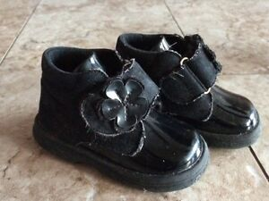 Baby Girl Fall High Shoes with Flower, size 4