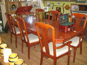 DINNING TABLE &CHAIRS Peterborough Peterborough Area image 1