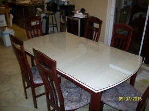 7 piece dinning set, as to go !