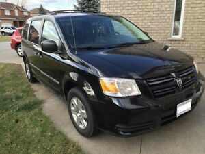 2010 Dodge Grand Caravan STOW & GO, SAFETY AND ETESTED