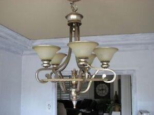 Luminaire de type chandelier à 5 globes