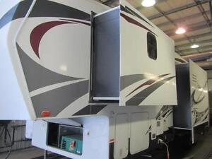2013 38 FT HEARTLAND ROAD WARRIOR 321TOY HAULER 5TH WHEEL