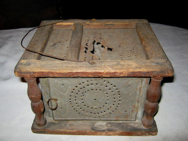 ANTIQUE PRIMITIVE COUNTRY FARM HOUSE AMERICANA WOOD TIN FOOT WARMER HEARTH  ART