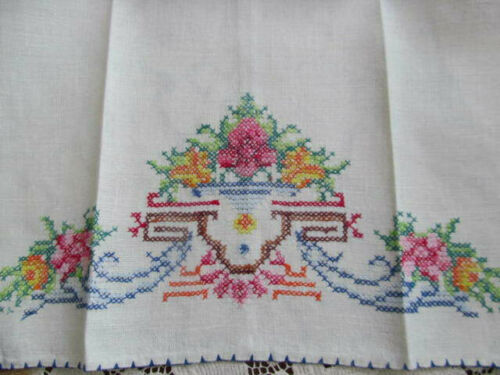 Pair~Fine Cross Stitch Embroidery Vintage Linen Towels~Urn Flowers~Never Used!