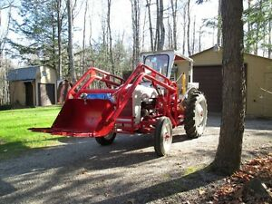 FORD JUBILEE NAA TRACTOR FULLY RESTORED WITH OPTIONS