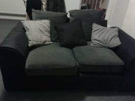 Sofa 2 sits