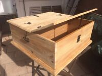 Refurbished wooden twin storage coffee table / kids toy box