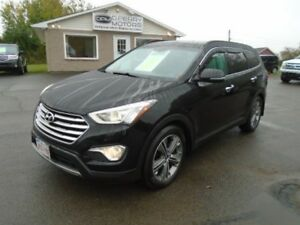 2013 Hyundai Santa Fe XL Limited | AWD | Loaded| NAV | 7 Passeng
