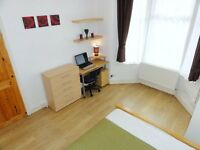 ■Terrific Kingsize with FREE WiFi on Central Line.10-15min City. 15 mins to Docklands-Canary Wharf■