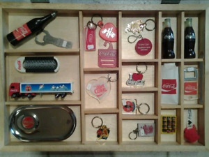 Collection de divers objets Coka Cola