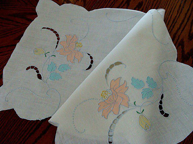 "PRISTINE Vtg MADEIRA Linen Runner 36"" Hand Embroidered COLOR Organdy Applique"
