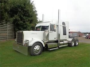 2007 WESTERN STAR LOW MAX, REBUILT DETROIT, MINT CONDITION !!