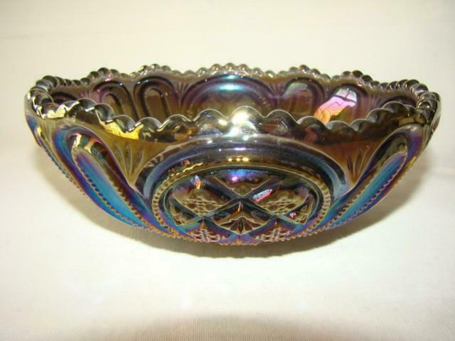 """Lovely Vintage IMPERIAL Carnival 8"""" Amethyst Pressed Glass BOWL"""