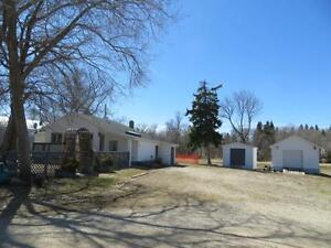 HOUSE FOR SALE IN POPLAR POINT, 15 mins TO PORTAGE