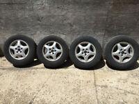 Four 15 inch Pontiac Montana Aluminum wheels,Michelin tires. Kitchener / Waterloo Kitchener Area Preview