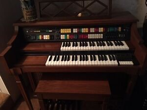 Lowery Symphonic Holiday 4 Channel Organ