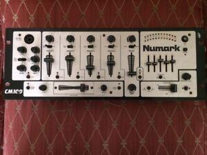 Numark - CM100