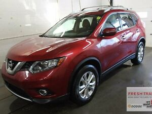 2015 Nissan Rogue SV/ AWD/POWER SUNROOF/ ONE OWNER/ CLEAN CARPRO