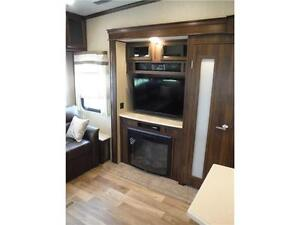 2017 Compass 377MB Luxury 2 bedroom 5th wheel - 4 slideouts Stratford Kitchener Area image 7