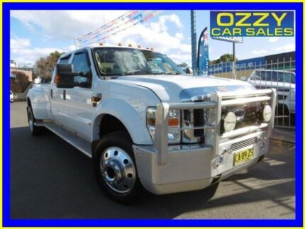 2009 Ford F450 SUPERDUTY LARIAT White Automatic Dual Cab