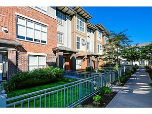 New Price Executive Townhouse, Double side x side garage