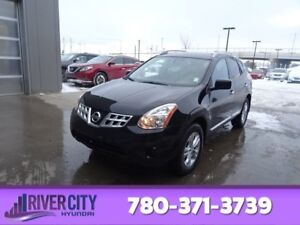 2012 Nissan Rogue AWD SV Accident Free,  Heated Seats,  Back-up