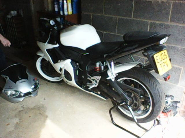 Yamaha r6 2005 year for sale 16k miles