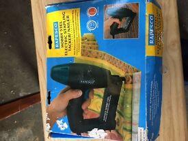 Rapesco Hobby Staple & Nail gun