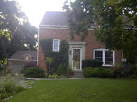 Female Roommate Cozy Home OCT 1 or NOV 1 15