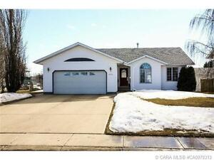 Great Family Home in Innisfail!
