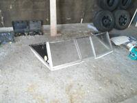 Pare-Brise (Whind-Shield)  65 pouce de Large Avec Porte centrale