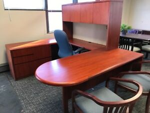 U shape desk with hutch, and lateral
