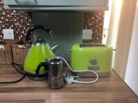 GREEN TOASTER AND KETTLE