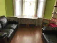 BARGAIN FURNISHED FLAT TO LET DISCOUNTED GOING CHEAP IN CROSSHILL