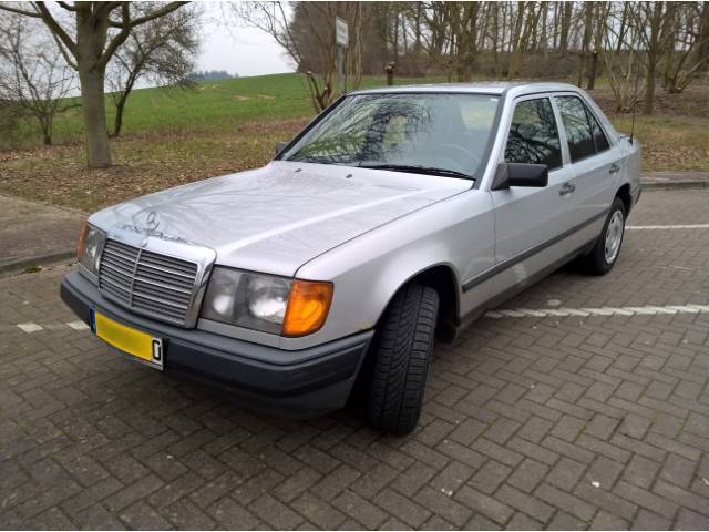 Mercedes Benz 300 E 4-Matic W124 Bj. 1988 Oldtimer Allrad EURO 2