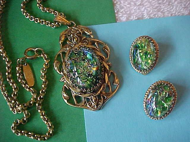 Vintage WHITING & DAVIS Necklace Pendant Earrings Rivoli Art Glass Jewelry Set